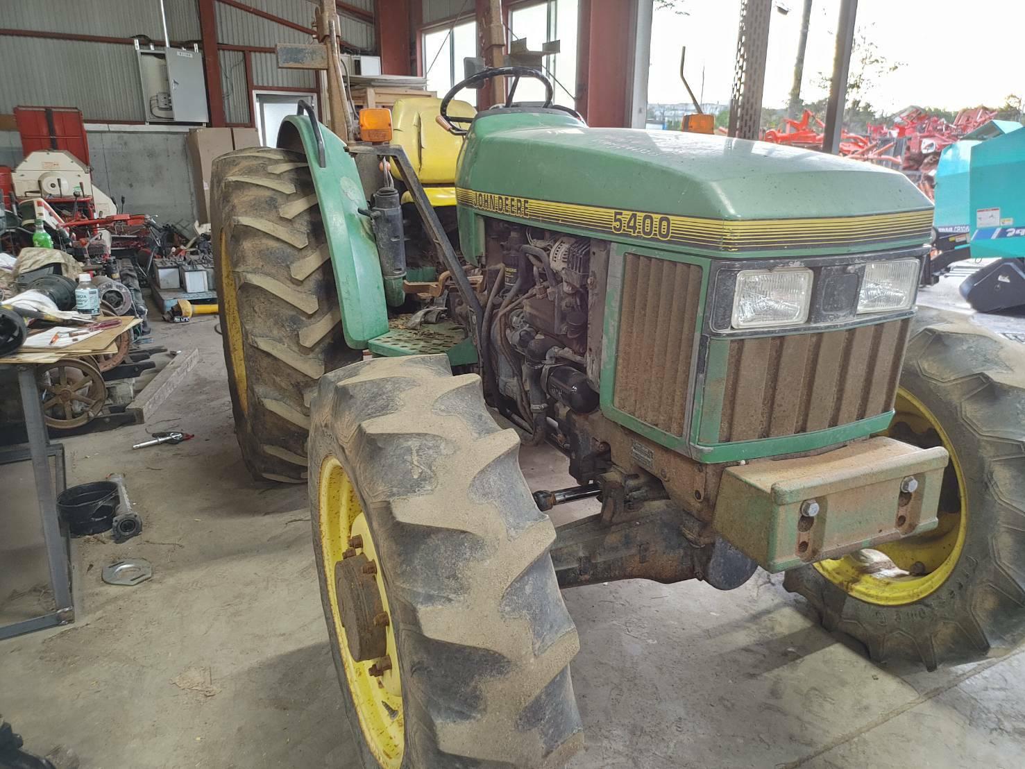 ジョンディア トラクター 5400